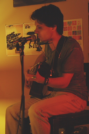 Marq DeSouza playing an intimate set. Photo by Richard Amery