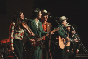 Stephanie Cadman, Dustin Bentall, Matt Masters, NBarney Bentall and Leeroy Stagger play with the Grand Cariboo Express, Nov. 7. Photo by Richard Amery