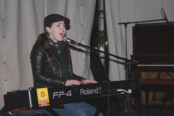 Billy the Kid on piano. Photo by Richard Amery