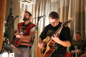 The Cody Hall band at the Owl Acoustic Lounge, Dec. 15. Photo by Richard Amery