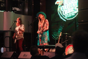 Elizabeth Cook on the Outlaw Country Cruise. Photo by Richard Amery