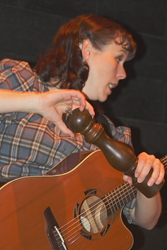 "Erica Hunt plays the ""Pepper Shaker SongÚ Photo By Richard Amery"