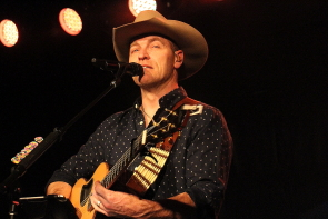 George Canyon returns to Average Joes, Nov. 16. Photo by Richard Amery