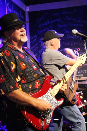 Driving While Blind entertain at Honker's Sept. 30 fundraiser. Photo By Rchard Amery
