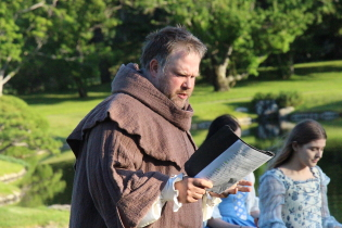 Andrew Legg performingin Merry Wives of Windsor. Photo by Richard Amery