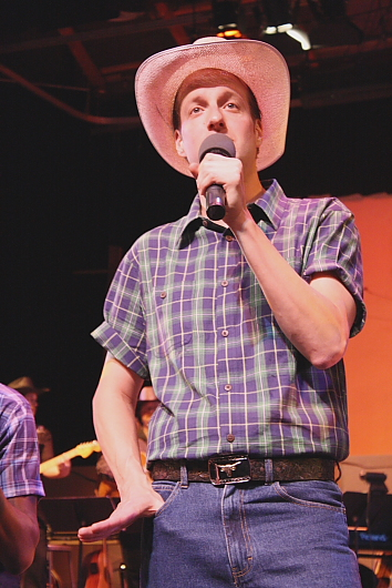Grahame Renyk is a personable MC for 'Rockin' The Country.' Photo by Richard  Amery