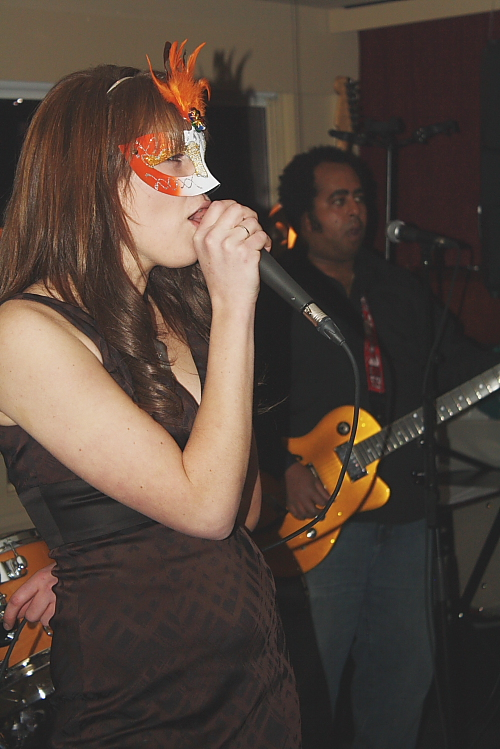 Nicole Van Zeggelaar sang a few numbers with the Ben Brown Trio. Photo by Richard Amery