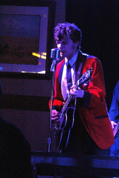 Peter and the Wolves play the Slice, Sept. 18. Photo by Richard Amery
