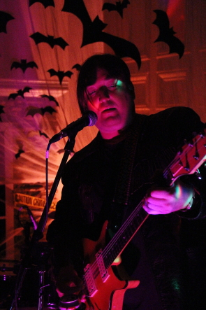 Tyler Bird of Queen of the Worms playing CKXU's Fright house, Oct. 27. Photo by Richard Amery