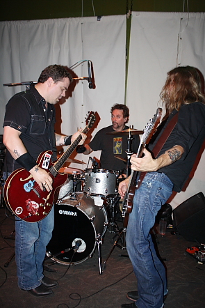 Ross Neilsen and the Sufferin' bastards played wicked blues rock, June 23. Photo by Richard Amery