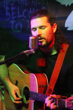 Tyson Ray Borsboom returned to the Owl Acoustic Lounge, Oct. 24. Photo by Richard Amery