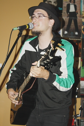 Tyler Gilbert playing at the Owl. Photo by Richard Amery